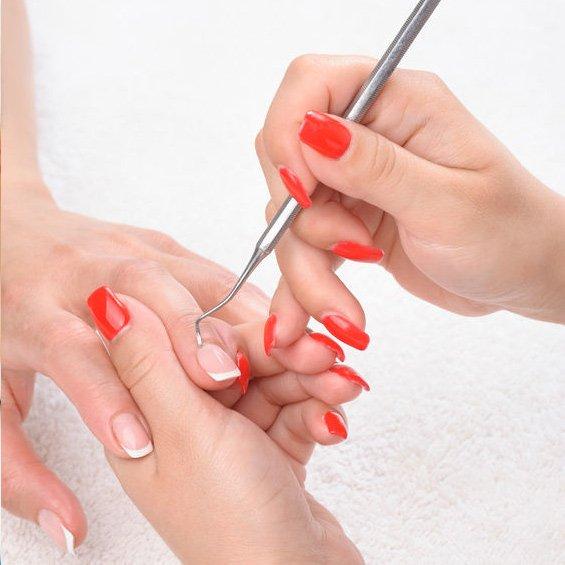 salon manichiura unghii